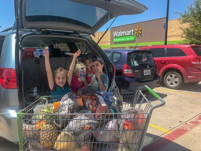 Tailgating with kids to save money on food