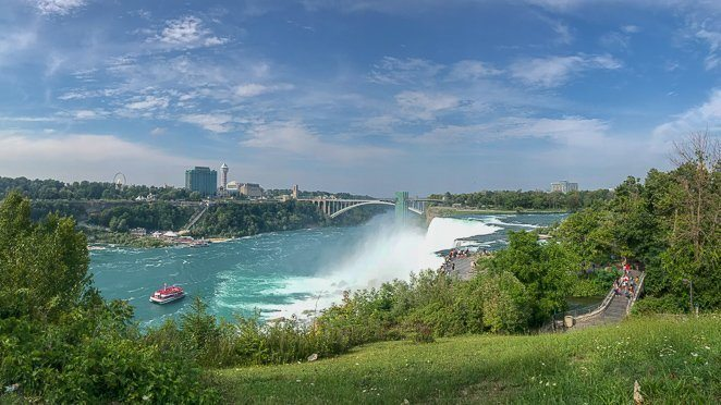 Niagara waterfall - top of the falls