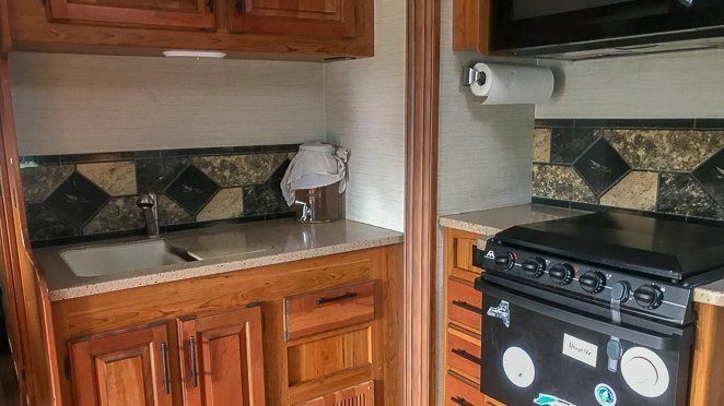 Motorhome Cooking - RV Living Tips