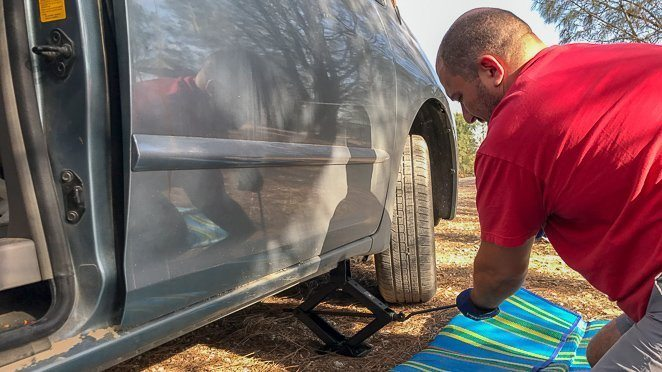 Know how to inflate your tires and change your tires