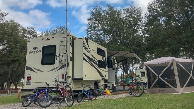 5 Tips for Making Friends While RVing Full Time