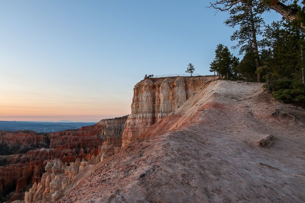 See the Sunrise in Bryce Canyon National Park