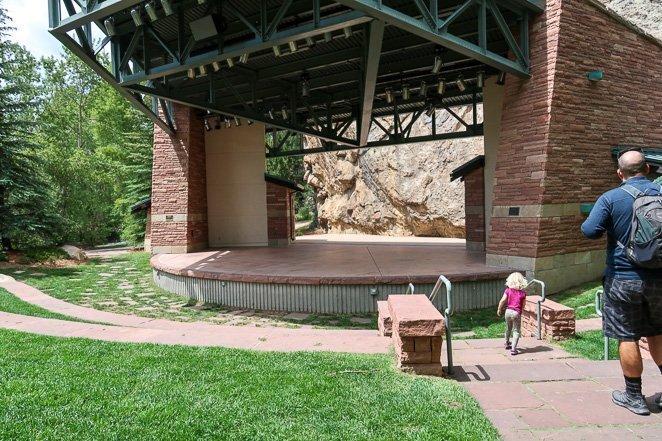 Amphitheater rock climbing park