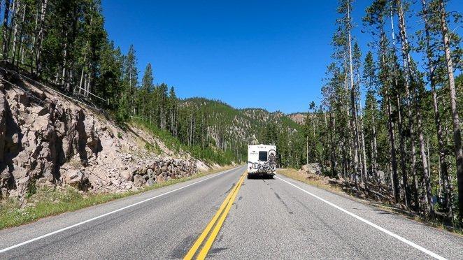 Drive your RV through Yellowstone