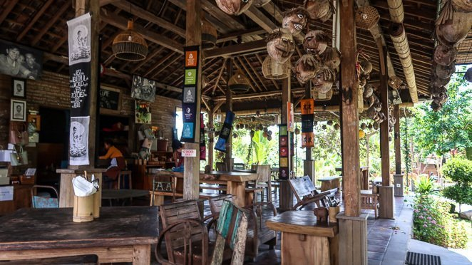 Sweet Orange Warung, Ubud Coconut Heads