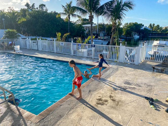 Kingsail Pool Marathon Key Florida Resort